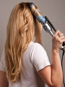 How-to-Curl-Your-Hair-Using-Curling-Iron-