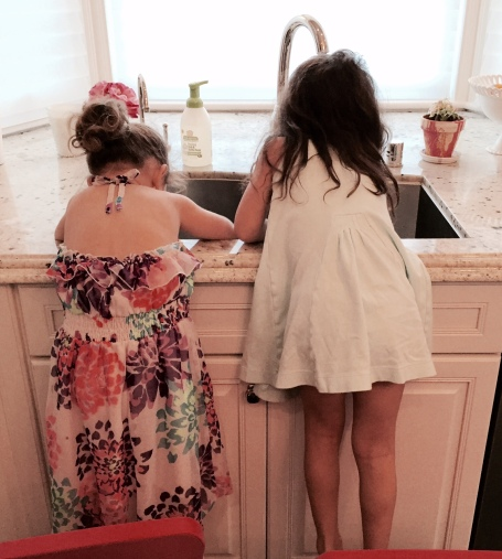 kids doing dishes